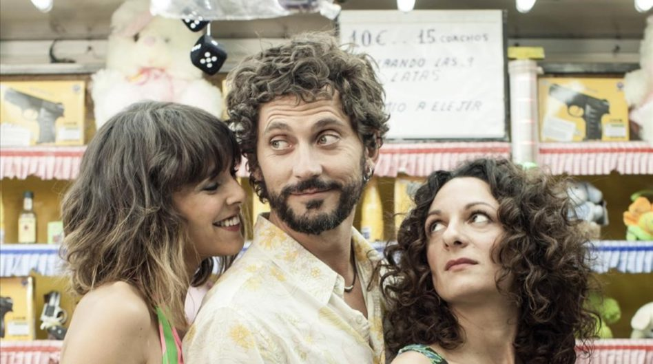 Paco Leon director y protagonista de la pelicula Kiki el amor se hace junto a las actrices Belen Cuesta y Ana Katz