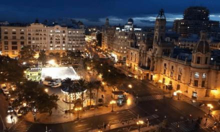 Valencia plaza del Ayuntamiento terraza Ateneo
